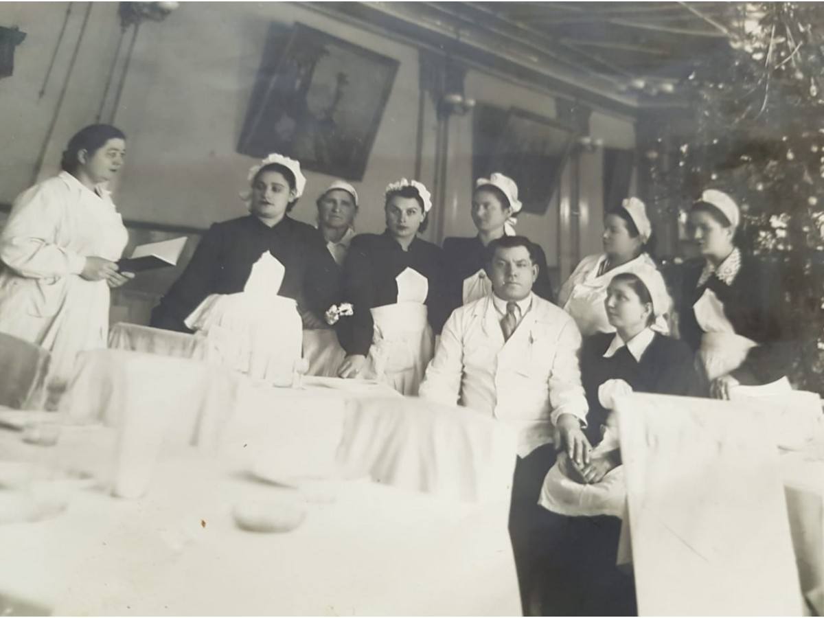 Официанты ресторана Казахстан 70 лет назад